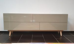 TV Dressoir Lasi Ral 7032 met front glas