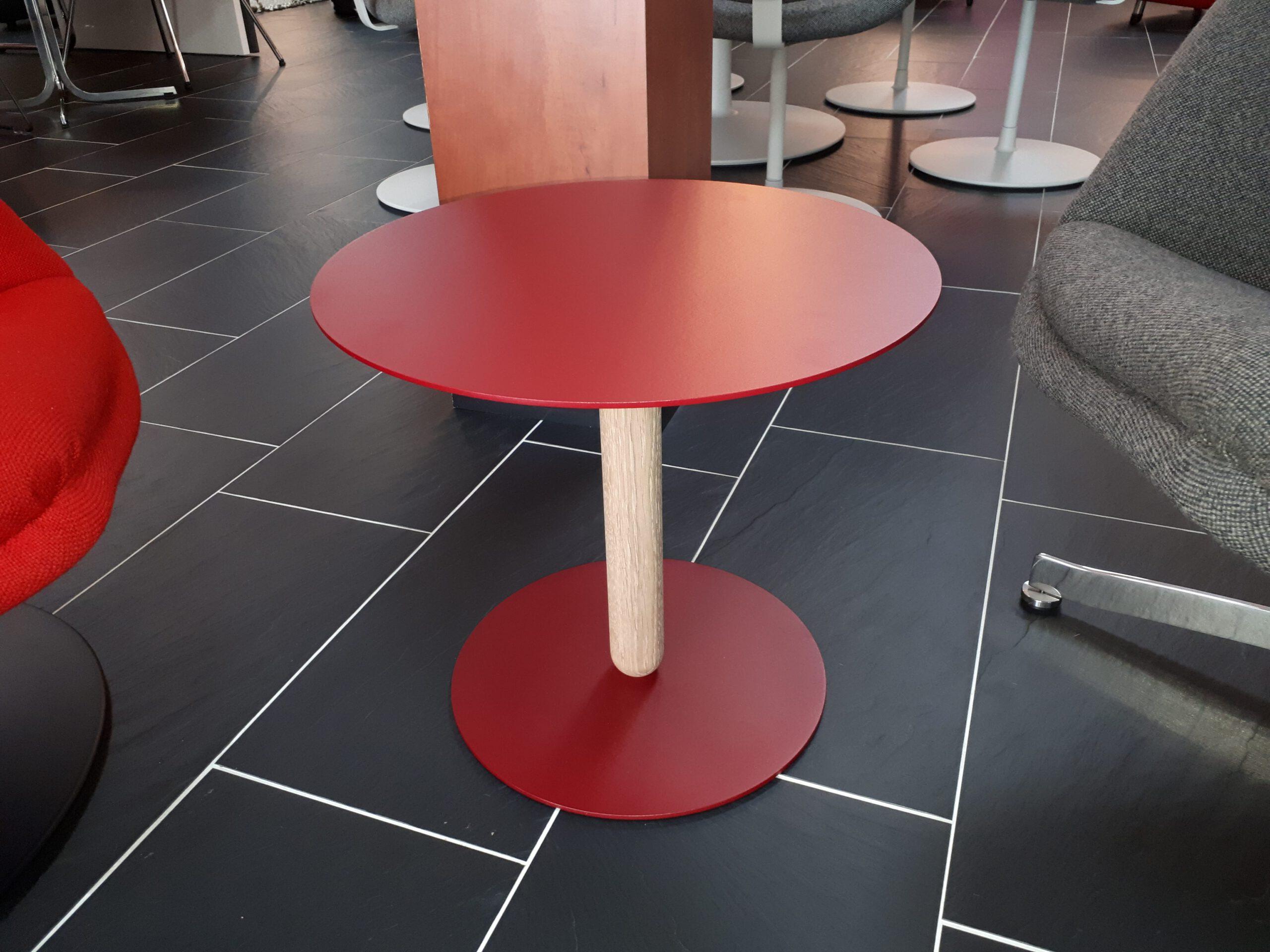 Artifort Balans bijzettafel medium rood
