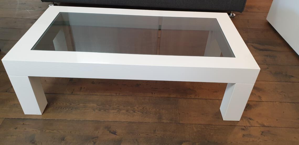 Salontafel Shine wit hoogglans met rookglas